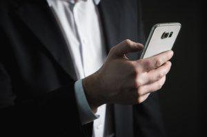 Burnout am Arbeitsplatz: Verstärkt durch Social Media